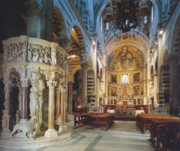 The sumtuous interior of the cathedral in Pisa